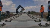 DEMİRYOLLARI - Tren Kazasının Yaşandığı Bölgede Raylar Onarılıyor
