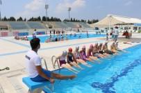 YUNUSEMRE - Yüzme Kurslarında İkinci Dönem Başladı