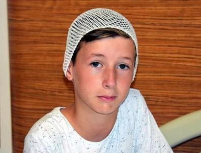 11 yaşındaki Emir, camı kırarak birçok yolcuyu kurtardı
