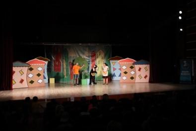Akşehirli Çocuklar Tiyatroya Doydu