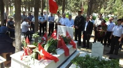 Burhaniye'de Şehit Mezarları Ziyaret Edildi