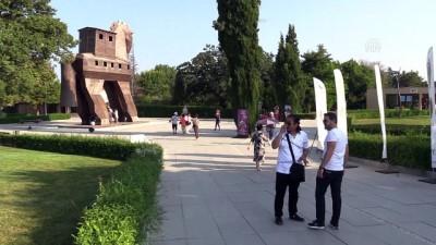 Çinli Bakan Shugang Troya Antik Kenti'ni Ziyaret Etti