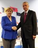 LİDERLER ZİRVESİ - Erdoğan-Merkel Görüşmesi