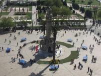 SİNEMA OYUNCUSU - İstanbul'dan Bunalan Soluğu İzmir'de Alıyor