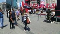 TAKSIM - Ömer Halisdemir'in Heykeli Taksim Meydanı'nda