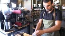 ÖZEL TASARIM - Özel Tasarım Bisikletle Kahveyi Müşterinin Ayağına Götürüyor