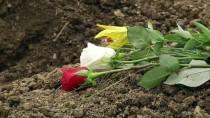 KAMİL OKYAY SINDIR - Potoçari, Cenaze Töreninin Ardından Sessizliğe Gömüldü
