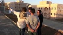ÇEVRE VE ŞEHİRCİLİK BAKANLIĞI - Silopi'de Terör Mağdurlarının Konutları Tamamlanma Aşamasında