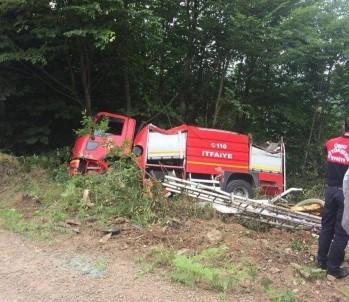 Yangına Giden İtfaiye Aracı Kaza Yaptı Açıklaması 3 Yaralı