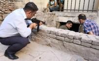 İTFAİYE MERDİVENİ - Aksaray'da Çatılarda Film Sahnelerini Aratmayan Şüpheli Kovalamacası