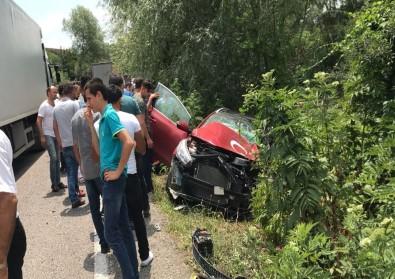 Bartın'da Otomobille Tır Çarpıştı Açıklaması 4 Yaralı
