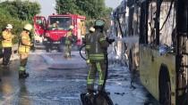 YOLCU OTOBÜSÜ - Bayrampaşa'da Otobüs Yangını