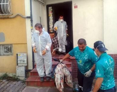 Cihangir'de Bulunan Çöp Evden 8 Ton Çöp Çıktı