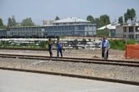 KÖY MUHTARI - Demiryolunda Alt Geçit Çalışmasına Başlandı