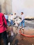 HASAR TESPİT - Emniyet Müdürü TOMA İle Yangını Söndürdü