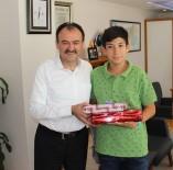 FEN BILGISI - İl Milli Eğitim Müdürü Çandıroğlu Türkiye Birincisini Ödüllendirdi