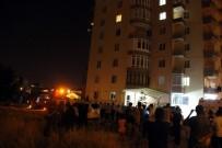 AHMET YESEVI - İntihar İçin Balkona Çıkan Kadını Polis İkna Etti