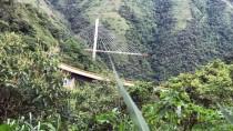KOLOMBIYA - Kolombiya'da 9 işçinin öldüğü köprü inşaatı patlayıcılarla yıkıldı