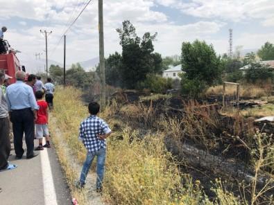 Muradiye'de Anız Yangını