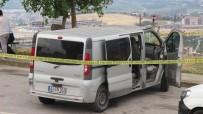 AĞIR YARALI - Silahla Başından Vurulmuş Halde Bulunan Adam Hastaneye Kaldırıldı