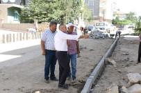DOĞALGAZ HATTI - Yahyalı'da Doğalgaz Hattı Geçen Sokaklar Asfaltlanıyor