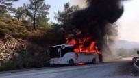 YOLCU OTOBÜSÜ - Yolcu Otobüsü Cayır Cayır Yandı