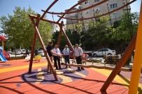 MERKEZ EFENDİ - Yunusemre'den Merkez Efendi Mahallesi'ne Yeni Park