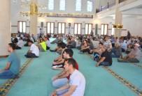 15 Temmuz Demokrasi Ve Milli Birlik Günü Dolayısıyla İlahiyat Camisinde Mevlid-İ Şerif Okutuldu