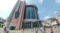 CEPHANELİK - Belsa Plaza'da Kocaelispor Bayrağı Dalgalanıyor