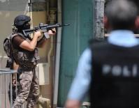 Bursa'da Annesini Rehin Alıp Bırakan Ve Polislere Direnen Şahıs Teslim Oldu