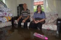 EMEKLİ MAAŞI - Evini Su Basan Kadın Açıklaması '38 Yıllık Emeğim Çöpe Gitti'
