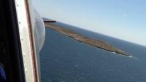 HAMİLE KADIN - GÜNCELLEME - Adada Mahsur Kalan Düzensiz Göçmenler Kurtarıldı
