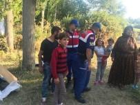 MEVSİMLİK İŞÇİ - Jandarma Çocuk Kaçırmalarına Karşı Vatandaşları Uyardı
