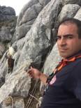 DEĞIRMENDERE - Kayalıklarda Mahsur Kalan Keçileri İtfaiye Kurtardı