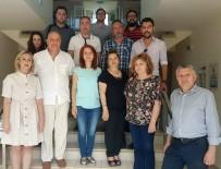 'Mülteci De Ebeveyndir' Projesi Ekibi Yunanistan'da