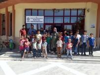 MEHMET ÖZEN - Suriyeli Öğrenciler Kütüphane Konusunda Bilgilendirildi