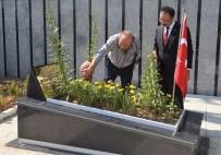 NURULLAH CAHAN - 15 Temmuz'da Şehit Olan Erdoğan'ın Yakın Koruması Kabri Başında Anıldı