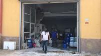 Gaz Kokusunu Fark Eden Esnaf Açılmayan Kepenge El Attı