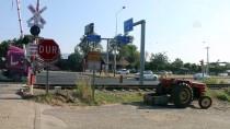 ADNAN MENDERES ÜNIVERSITESI - Hemzemin Geçit Kapalıyken Demiryoluna Girince Tren Çarptı