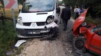 Kastamonu'da Otomobil İle Minibüs Çarpıştı Açıklaması 2 Yaralı