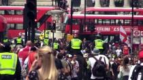 YAYIN YASAĞI - Londra'da Aşırı Sağcı Robinson'a Destek Gösterisi