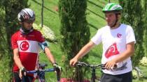 KARACAAHMET MEZARLIĞI - Makedon Bisikletçiler, 15 Temmuz Şehitler Makamı'nı Ziyaret Etti