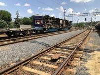 Tekirdağ'da Kaza Yapan Trenin Vagonları Kaldırılıyor