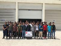 KAÇAK MÜLTECİ - Van'da 52 Kaçak Mülteci Yakaladı