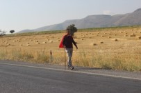 15 Temmuz Demokrasi Ve Milli Birlik Günü'nde 47 Kilometre Yürüdü