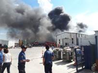 İTFAİYE MERDİVENİ - Başkent'te Korkutan Yangın