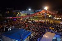 Erzincanlılar Demokrasi Nöbeti İçin Meydanlara Akın Etti