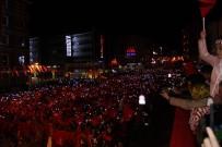 SELAMI ALTıNOK - Erzurum'da Yağmur Altında Demokrasi Nöbeti