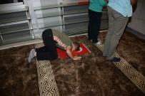 GAZILER - Konya'da Çocuklar Sabah Namazına Ellerinde Türk Bayraklarıyla Geldi