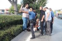 ÇEVİK KUVVET - Konya'da İki Grup Arasındaki Kavgada Silahlar Çekildi